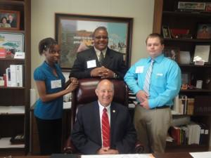 4-H'ers meet Senator Brent Jackson